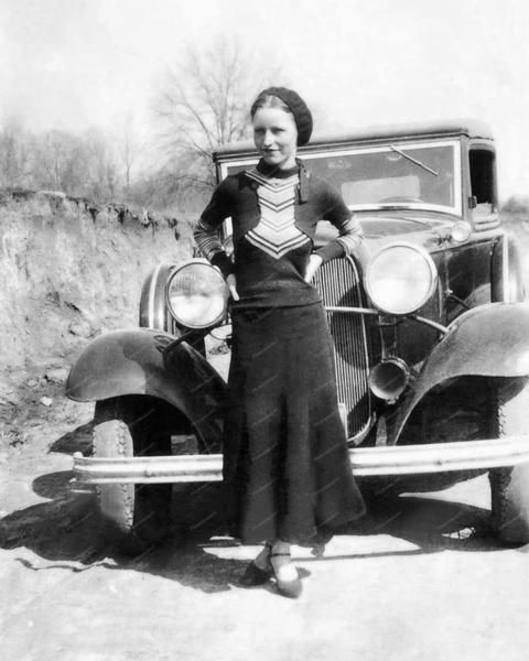 Bonnie Parker Ford 1932 Vintage 8x10 Reprint Of Old Photo Bonnie Parker Ford 1932 Vintage 8x10 Reprint Of Old Photo This is an excellent reproduction of an old