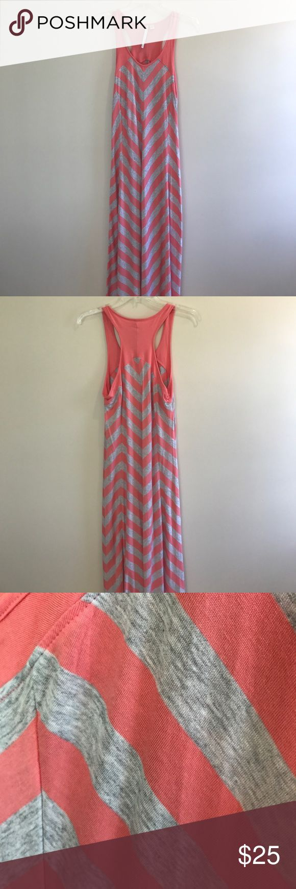 Coral and heather grey chevron maxi dress NWOT- Lauren Conrad coral and heather grey chevron print maxi dress LC Lauren Conrad Dresses Maxi