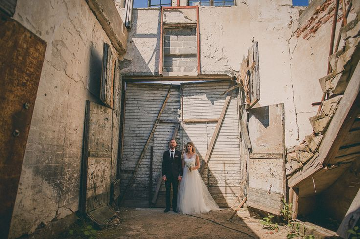 Harsh wedding portrait - industrial, romantic and beautiful location! www.jeresatamo.com