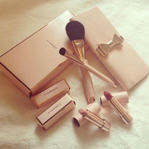 Makes me love makeup even more.. SO pretty and feminine.