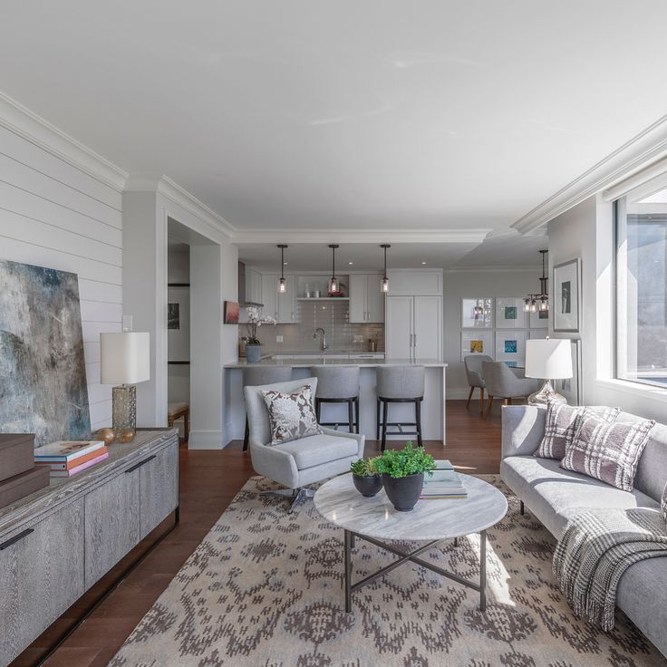 OPEN HOUSE today from 10am-12pm at 402 - 2167 Bellevue Ave - offered at $1,430,000 this gorgeous @burgerhomes renovation is the perfect 2 bedroom home in the heart Dundarave.   #luxuryhome #luxuryhomes #luxuryrealestate #forsale #forsalebytheprocs #realestate #roseallday
