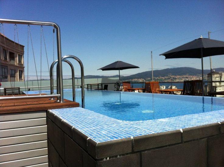 Hotel AXIS VIGO-Hotel con piscina en Vigo | Hotel rooftop pool Vigo
