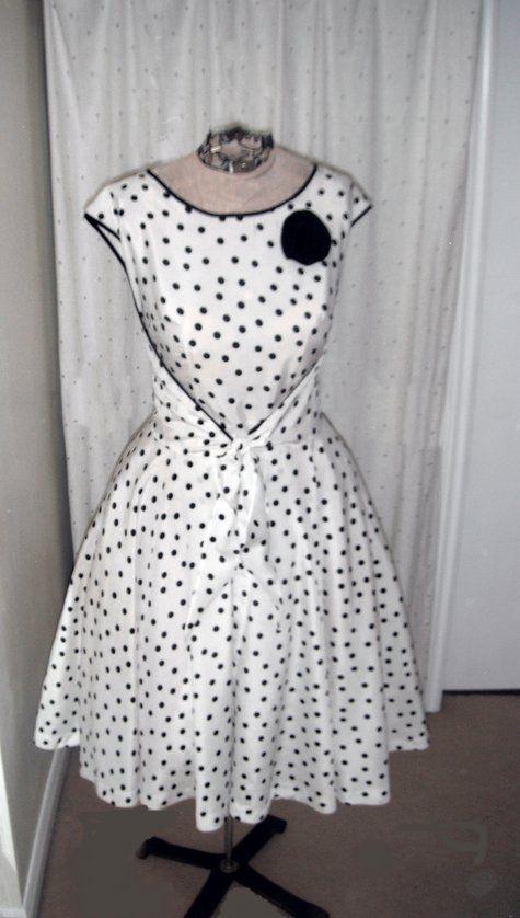 Want to make this Polka-Dot dress - Butterick 4790