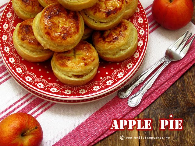 mini placinte cu mere | Your Title | To make (Recipes) - Muffins, Cus