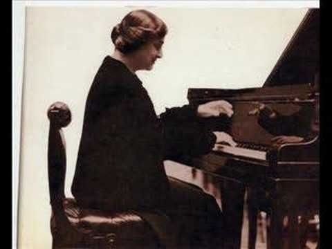 Recorded 1958. The great English pianist Myra Hess plays her famous transcription of Jesu, Joy of Man's Desiring from Bach's Cantata No. 147 and the Scarlatti Sonata in G K14.