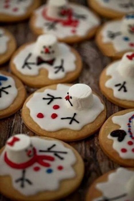 ¡Divierte a tus invitados con estas sabrosas galletas de muñeco de nieve derretido! #Repostería