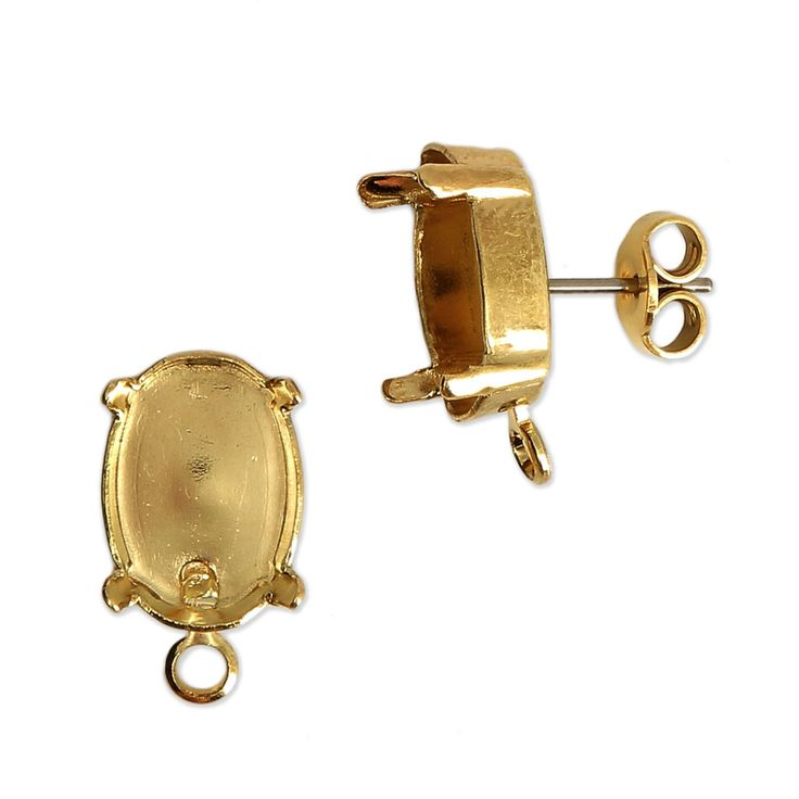Clous d'oreilles en #laiton recouvert d'une finition #dorée avec sertis pour #cabochons Swarovski 4120 14x10 mm.  Ces boucles d'oreilles ont un anneau fermé ce qui est idéal pour rattacher une #breloque, un #pendentif ou encore un #tissage de #perles. Vous aurez besoin d'anneaux ouverts pour le montage. Réalisez une jolie paire de boucles d'oreilles pendantes #Swarovski. #Clous d'oreilles #porte-cabochons Swarovski 4120 14x10 mm doré x2 - Perles & Co