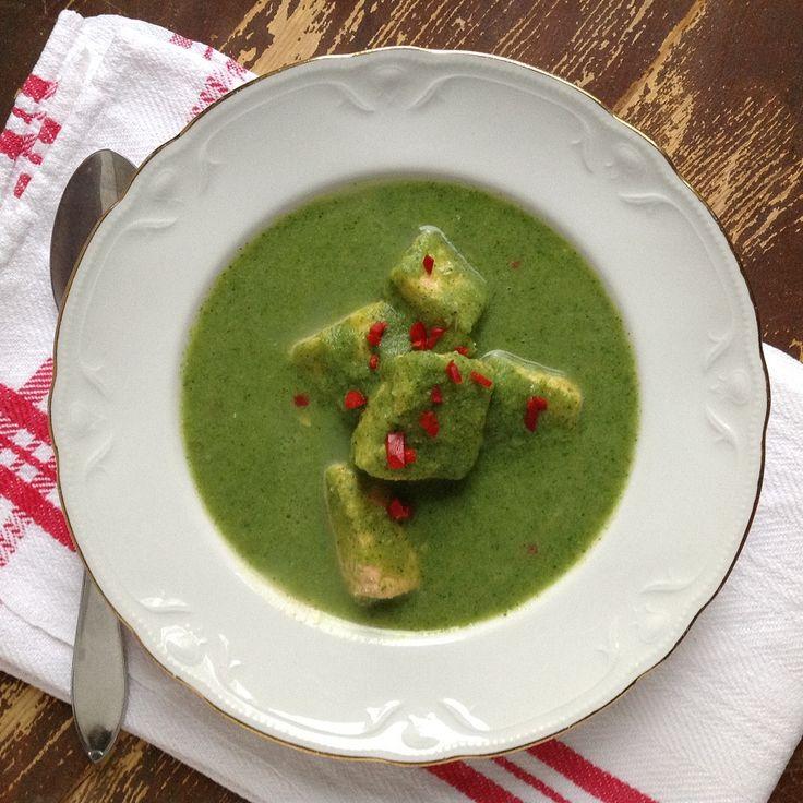 Njut av underbar Broccolisoppa med lax