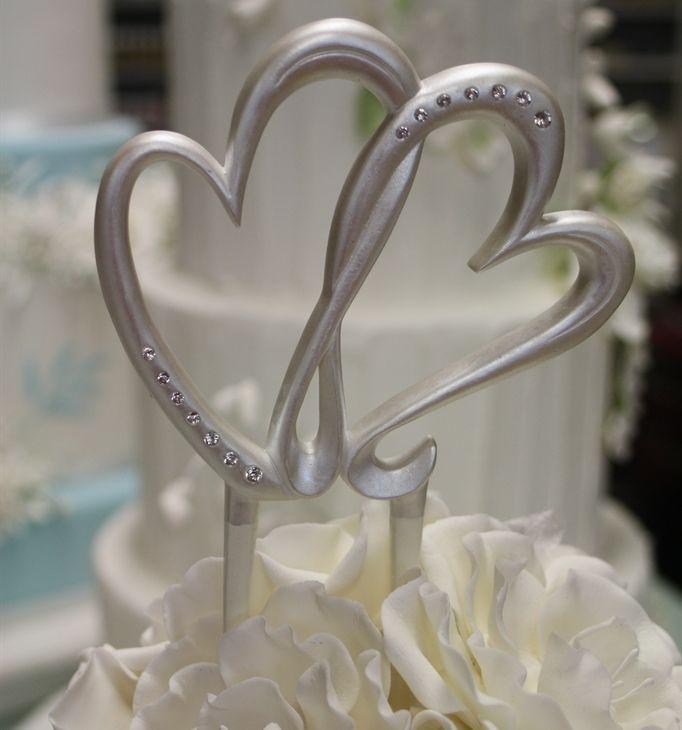 Best 20 Red Heart Wedding Cakes Ideas On Pinterest