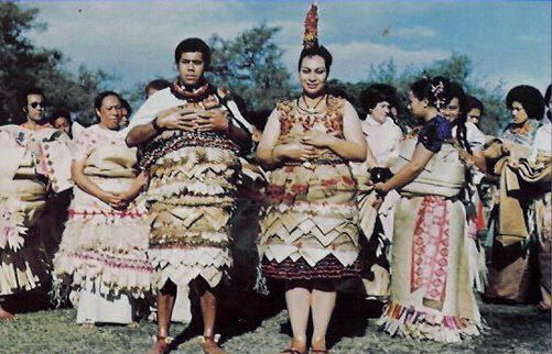 Tongan flowers | Wedding Flowers: traditional  wedding dresses