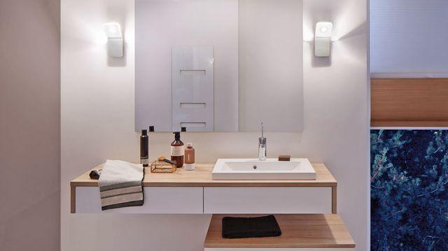 Best 25 eclairage salle de bain ideas on pinterest - Vanite salle de bain contemporaine ...