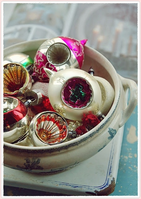 Vintage decorations - so charming in a  bowl