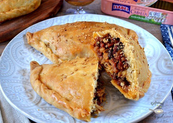 Deliciosa receta de empanadillas caseras de caballas con chorizo y jamón serrano del blog Disfrutando de la Cocina