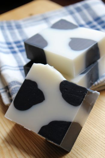 牛柄モーモーせっけん|新潟 手作り石鹸の作り方教室 アロマセラピーのやさしい時間