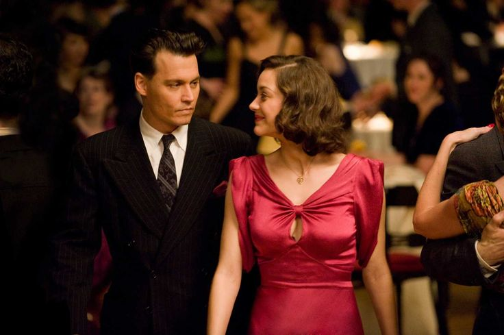 "John  Billie in love in ""Public Enemies"""