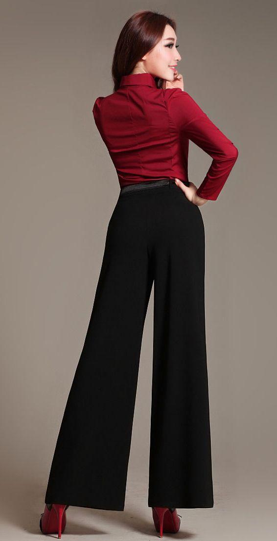Pantalones holgados de terciopelo de pana de canalé EUR El terciopelo, que siempre se ha considerado un tejido sofisticado y especial, encuentra una .