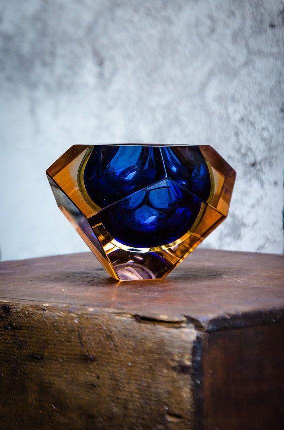 Murano Glass, Mandruzzato Flavio Poli, 1970s Murano Design - Glass Ashtray Bowl Vintage Murano Sommerso Glass Faceted Block vase made by Luigi Mandruzzato Glass and with its original paper foil label...