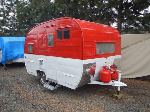 A beautiful and classic restored little Lakewood travel trailer with everything you would need. Propane Frig/freezer, hot water with outside shower (including new tent shower), gas lamp, new gas ra…