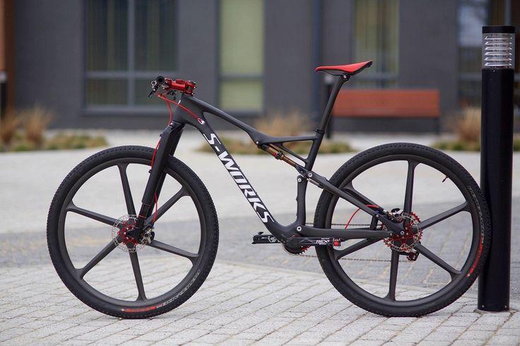C'est du lourd ;-) vtt Specialized Epic  carbone avec roue carbone
