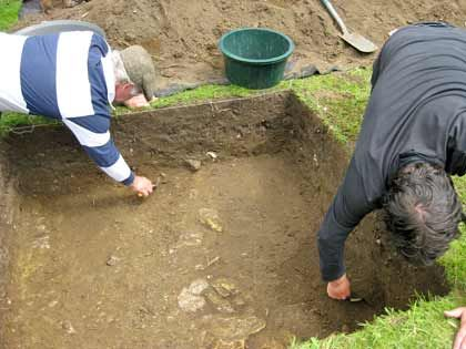 Historians who found an undisturbed Roman site while looking for an ancient fountain in the Lincolnshire town of Sleaford say they hope to discover more objects when they launch a two-week dig in late October.