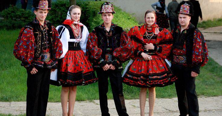 Țărani - Romania Tara Oasului-costume populare