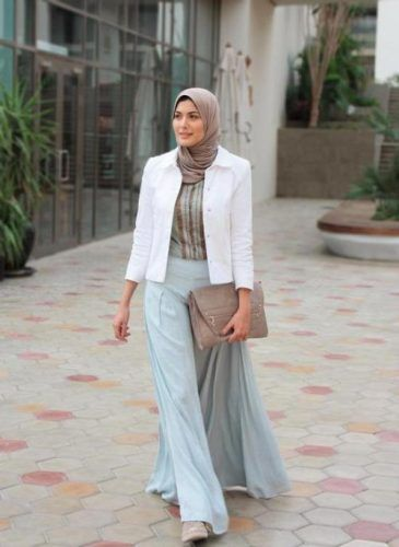 aqua maxi skirt hijab outfit- Beautiful hijab trends 2016 http://www.justtrendygirls.com/beautiful-hijab-trends-2016/