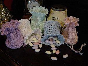 crochet wedding purse patterns | Victoria Crochet Drawstring Purse - free wedding favor crochet pattern