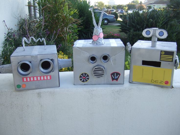 cardboard box robot favor boxes   Day 139- How To: Robot Heads