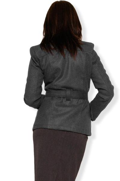 Abbigliamento da Donna  http://www.abbigliamentodadonna.it/cappotto-lana-p-292.html Cod.Art.000470 - Cappotto in calda lana ideale per i mesi piu' freddi, realizzato con moderno taglio a giacca, e' dotato di cintura, due tasche, spalline imbottite, allacciatura a tre bottoni ed e' foderato internamente.