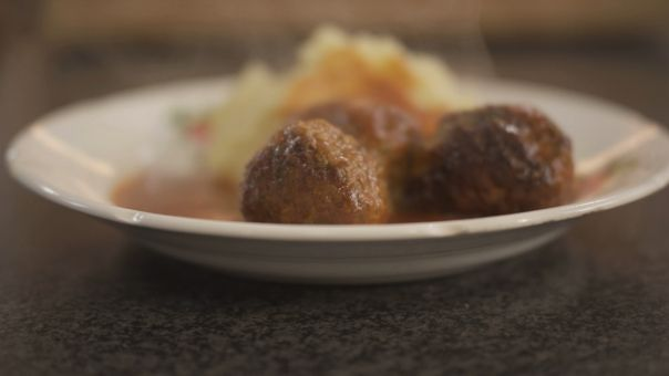 één - Dagelijkse kost - Balletjes in tomatensaus -   Best food ever!