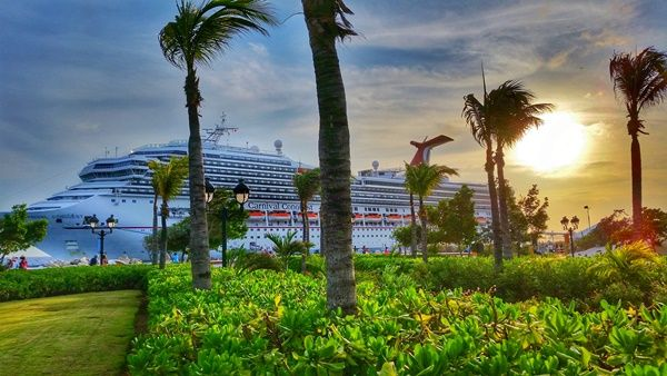 Curacao cruise: Carnival cruise in the southern Caribbean with stops in Aruba and Curacao