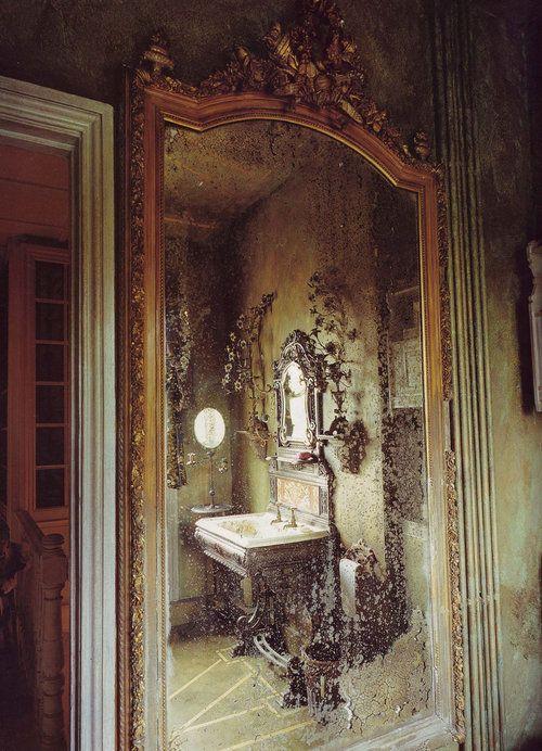 mirror, mirror on the wall...: Decor, Reflection, Mirror Mirror, Antique Mirror, Antiques Mirror, Interiors, Beautiful, Glass, Mirrormirror