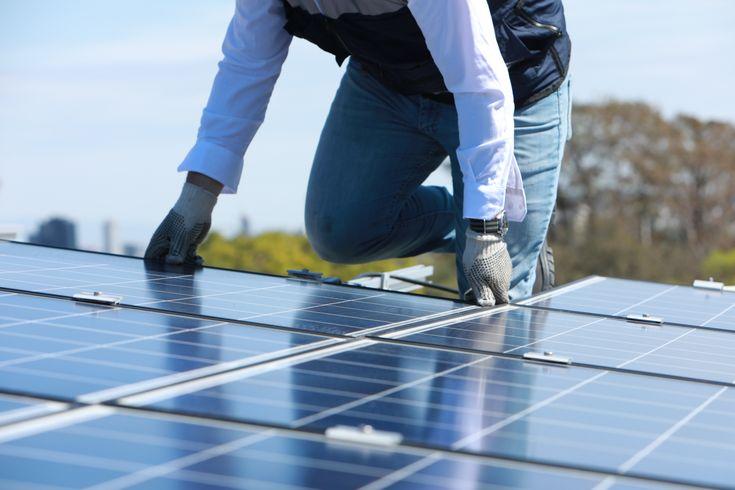 A continuación te presentamos3 de los muchísimos beneficios económicos, fiscales y sociales a mediano y largo plazo de implementar sistemas inteligentes de energía solar en tu hogar. ¡No te los pierdas! 1. Energía estable quecuesta menos La energía tradicional sube constantemente. En marzo, la tarifa Doméstica de Alto Consumo (DAC), registró un incremento del 8% …