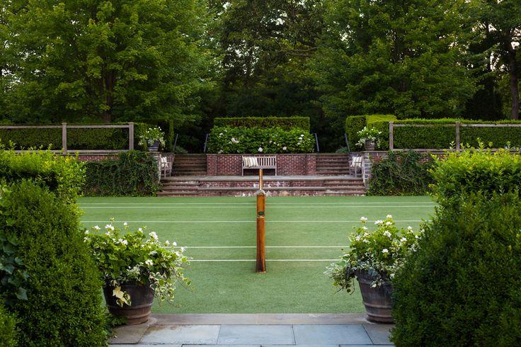 Grass Tennis Court In Backyard : M?s de 1000 ideas sobre Backyard Tennis Court en Pinterest  Cancha