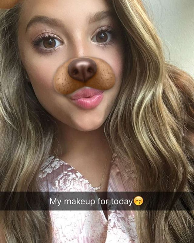 Kenzie is almost ready for the Teen Choice Awards tonight, pretty in pink! Add…