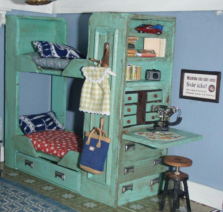 Säng skala 1:12. Förebilden finns på museet i Vilhelmina.