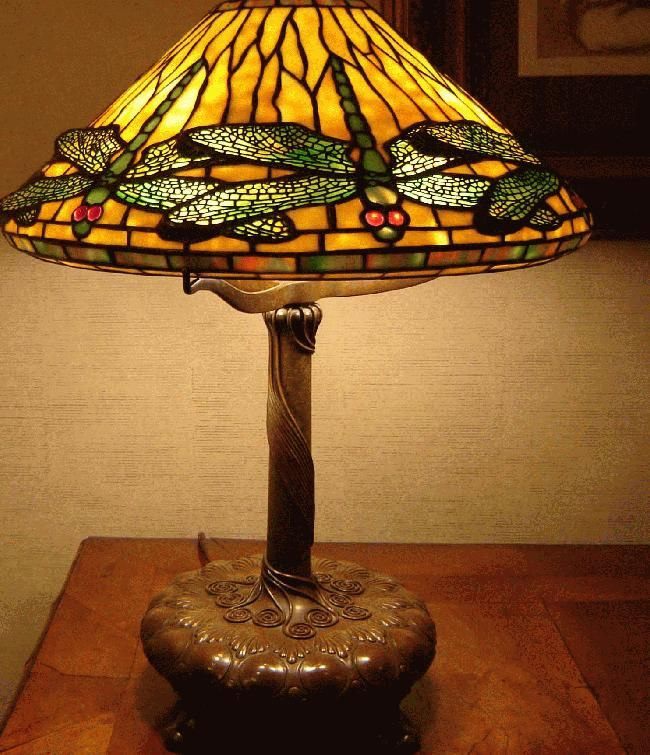 Tiffany Studios: Favrile Dragonfly Table Lamp