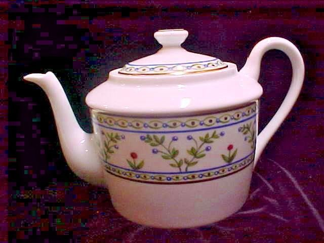 Raynaud Limoges China HELOISE 4~CUP TEAPOT W/LID  ~ EXCELLENT #RaynaudLIMOGES