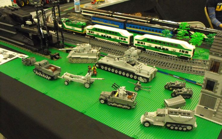 WW2 vehicles made from Lego