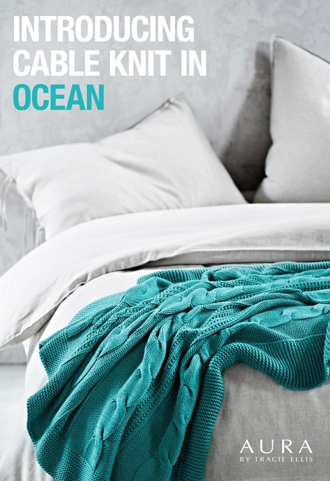 AURA cable knit throw in ocean