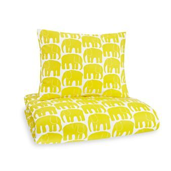 The lovely Elephant bed set from Finlaysson has a beautiful pattern with elephants that is easy to fall in love with. The pattern was designed by Laina Koskela in 1969 and therefore has a retro look. The graphic bed set is very popular and suits both adults and children! Elephant bed set is available in different colors and no matter which color you choose