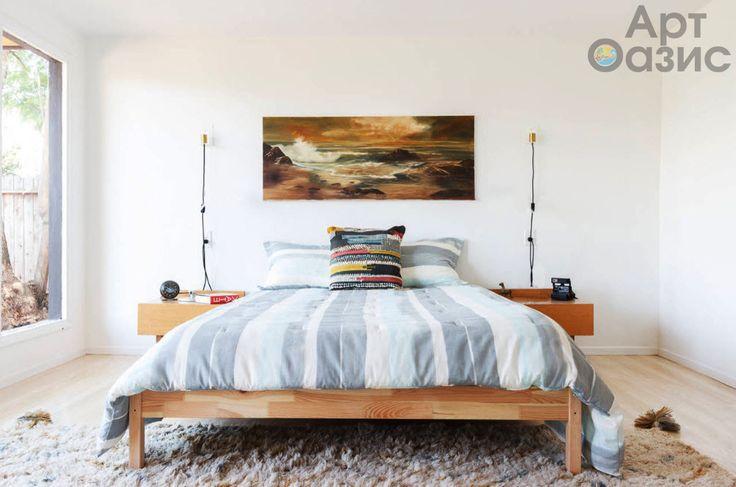 Несмотря на свою очевидную самобытность, скандинавский стиль нравится практически всем. Да и сложно представить хозяина, который не желал бы видеть свое жилище оформленным с такой простотой и практичностью, легкостью и скромностью. О том, что скандинавская стилистика тяготеет к активному использованию белого цвета, знает даже непросвещенный в сфере дизайна домовладелец. Белоснежный потолок и стены с контрастирующими картинами – это визитная карточка стилистики стран Северной Европы. Мы…