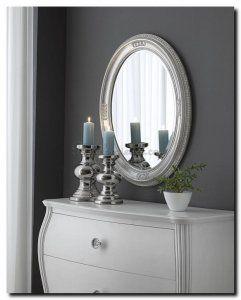 Delanna is een ovale spiegel, klassiek, subtiel en bijzonder. http://www.barokspiegel.com/detail/4451259-7-0200-b-spiegel-delanna