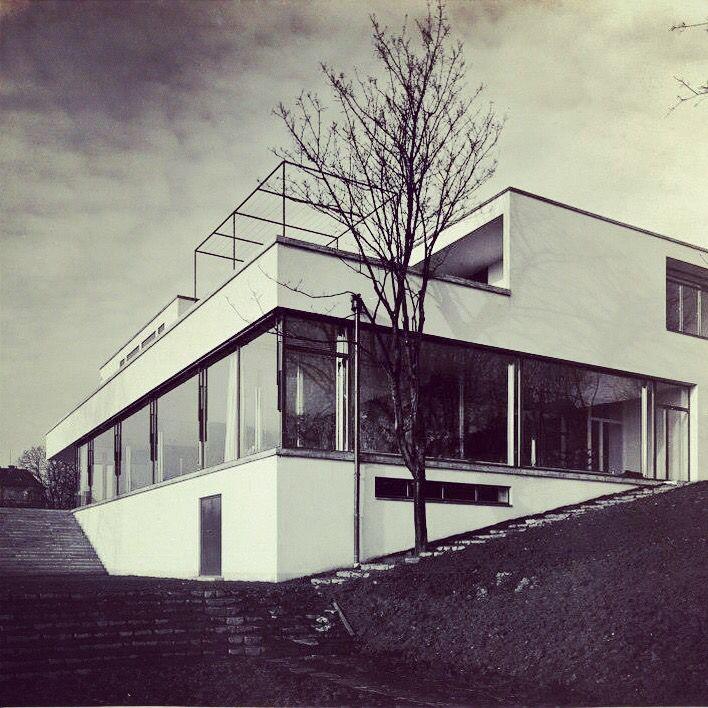 13 best mies van der rohe weissenhof housing exhibition - Casa perls mies van der rohe ...