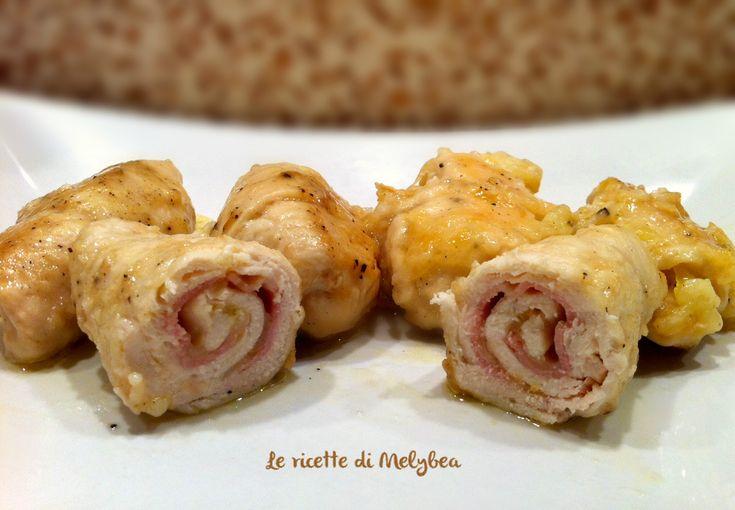 Gli involtini di pollo al marsala sono un secondo piatto gustoso e veloce da preparare. Con pochi ingredienti ecco un'alternativa alla solita bistecchina
