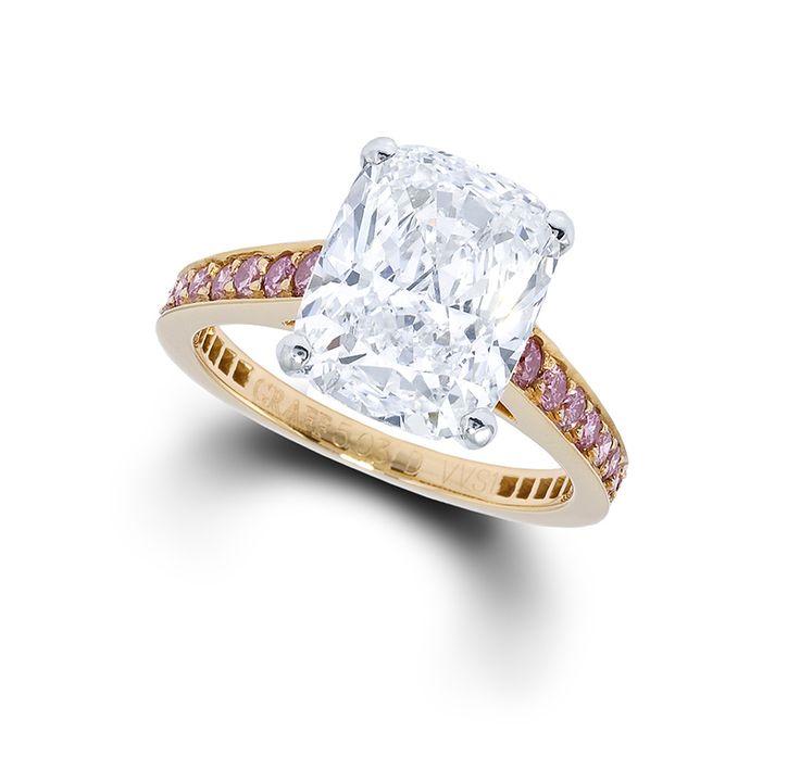 Graff firma rosa anillo de compromiso de diamantes, engastado con un 5.03ct diamante talla cojín en un diamante rosa anillo de oro (POA), disponible en tiendas de todo el mundo Graff
