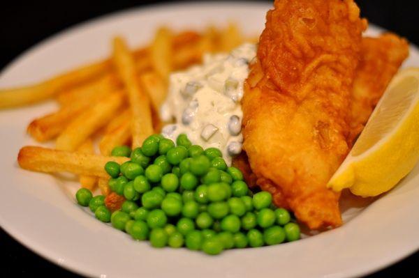 Google Image Result for http://cookinginhd.com/wp-content/uploads/2010/10/Beer-Battered-Fish-and-Chips.jpg