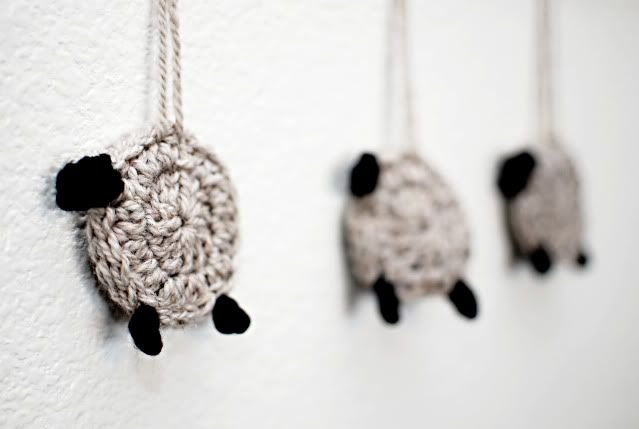 Sheep for my kids to count - would make an adorable mobile!