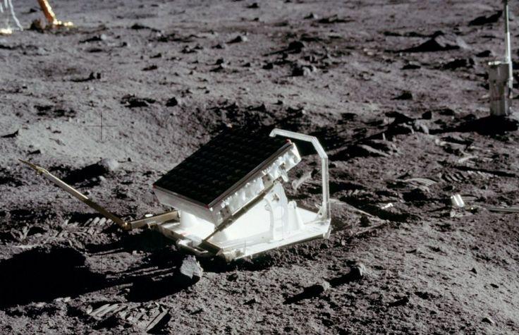 * Уголковый отражатель экспедиции Аполлон-11...