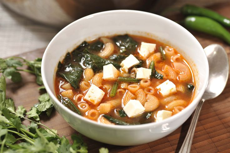 Sopa de coditos con espinaca | Cocina y Comparte | Recetas de Cocina al Natural